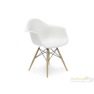 Кресло Eames (ножки деревянные)